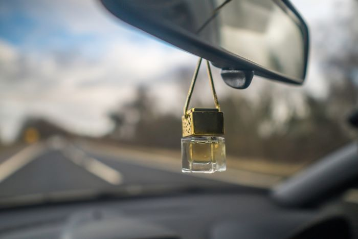 Things to consider before buying the best car air freshener