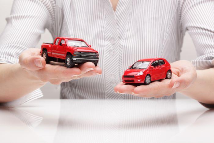 heavy car vs light car